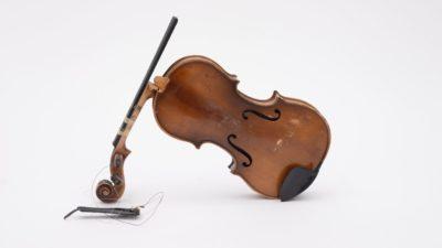 Image: Broken Violin